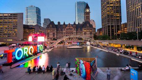 Panoramic view of the Toronto sign