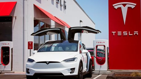 Tesla's Q2 earnings shatter all expectations, delivering better-than-expected revenue and income data. The share price poised to climb