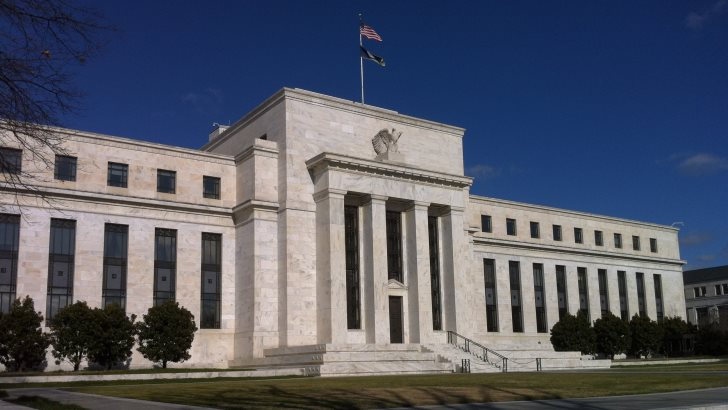 The July FED meeting minutes prompted renewed expectations of FED tapering. The dollar rises following the release of the report